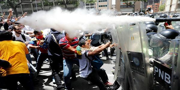 Venezuela, Maduro: Usa hanno dato il via libera a colpo di stato
