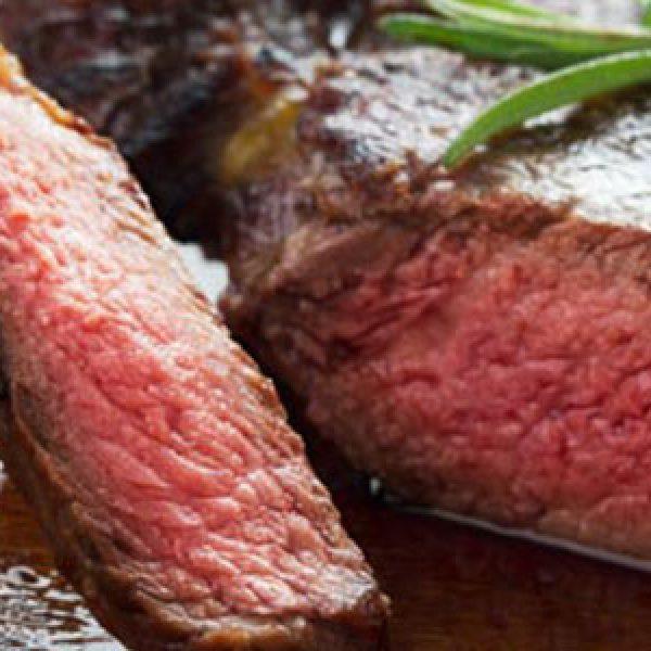 Mangiare troppa carne fa 'ingrassare' il fegato: i rischi per la salute