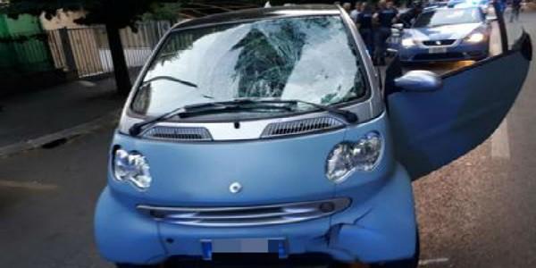 Auto sulla folla a Roma, la conducente della Smart positiva ai droga-test