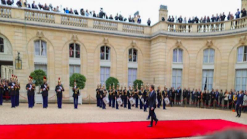 """Francia, oggi è il giorno di Emmanuel Macron   """"Il mondo e l'Europa hanno bisogno di noi"""""""