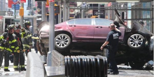 attacco times square, attentato New York, auto investe pedoni new york, auto pedoni Times Square, edifici lockdown new york, morti new york, Usa