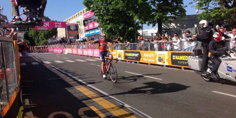 VIDEO – Giro d'Italia, che gaffe di Pibernik! Esulta al traguardo, ma mancano 6 km