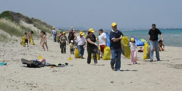 Emergenza inquinamento sulle spiagge italiane: 670  i rifiuti abbandonati ogni 100 metri di lido