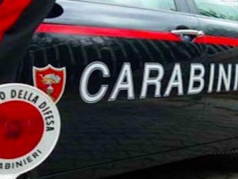 carabinieri feriti, genova carabinieri feriti, genova posto di blocco, ladri fuga genova, posto di blocco genova