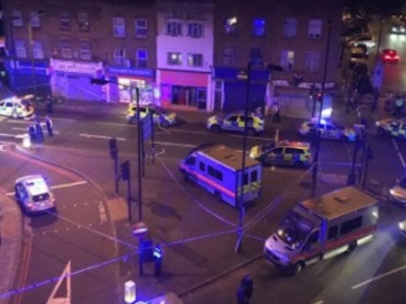attacco Londra, attentato Finnsbury Park, attentato Isis Londra, attentato moschea Londra, attetato londra, isis londra, Londra, van contro folla londra