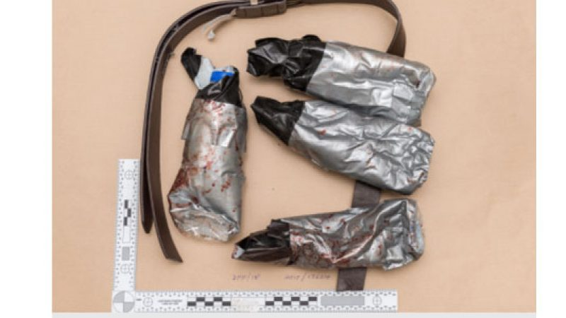 Attentato Londra, cinture false per i kamikaze | Diffuse le foto dei finti dispositivi esplosivi