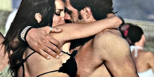 Laura Torrisi e Luca Betti: una spiaggia infuocata d'amore