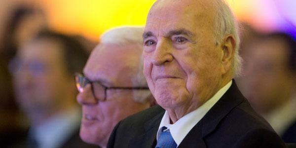 È morto l'ex cancelliere tedesco Helmut Kohl