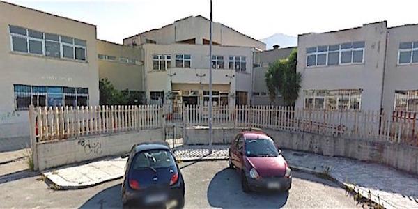 Palermo, nuova intimidazione alla scuola Falcone | Trovato sul posto un uccello con la testa mozzata