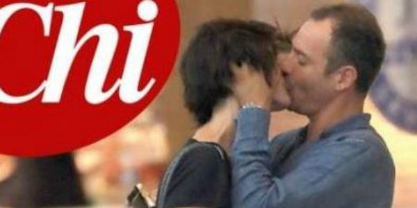 Gossip, Elisa Isoardi a Ibiza bacia un altro uomo: è già finita con Matteo Salvini?