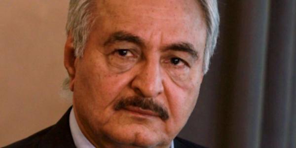 """Svolta in Libia, il generale Haftar annuncia il """"cessate il fuoco"""""""