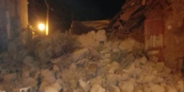 Il neonato estratto vivo dalle macerie del terremoto a Ischia