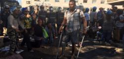 migranti piazza indipendenza, scontri polizia migranti, scontri polizia roma, sgombero migranti, sgombero migranti piazza indipendenza