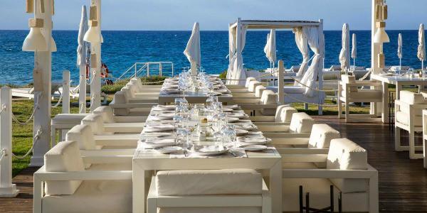 Matrimonio Spiaggia Puglia : L erede di jeff sutton si sposa in programma un
