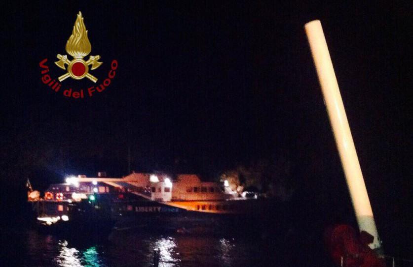 Aliscafo finisce sugli scogli a Lipari| Tra i 40 passeggeri alcuni feriti