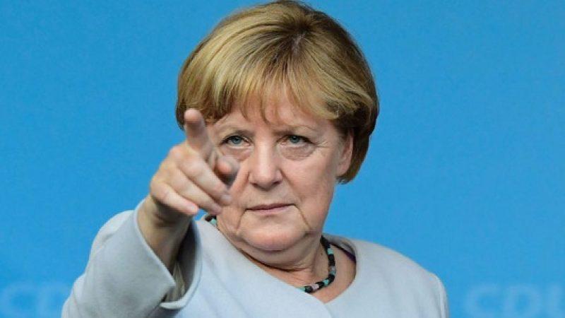 """G7, la Merkel apre all'Italia: """"Parliamoci direttamente"""""""