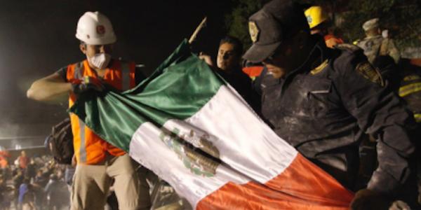 Terremoto devastante a Città del Messico | Almeno 248 morti, decine gli edifici crollati