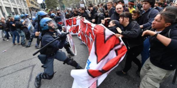 corteo g7 torino, corteo studenti torino, g7 torino, manifestanti torino, manifestazione torino, scontri torino
