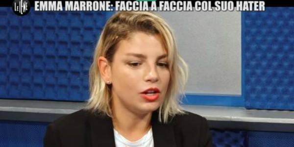 """Le Iene, Emma Marrone incontra un suo hater: """"Alla tua fidanzata diresti troi*?"""" – VIDEO"""