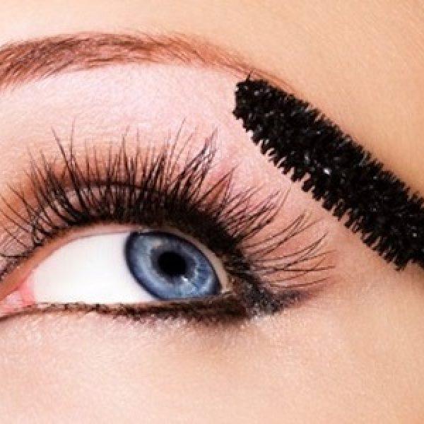 A me gli occhi: mode e tendenze per il mascara ideale