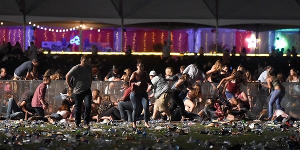 Strage di Las Vegas, i morti salgono a 59  Il killer aveva 42 armi e materiale esplosivo