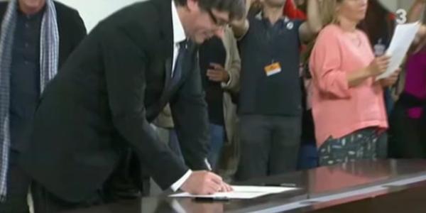 Carles Puigdemont, catalogna, Forcadell incriminato, incriminato Juan Manuel Maza, incriminazione Puigdemont, Juan Manuel Maza, Oriol Junqueras, parlamento catalano sciolto