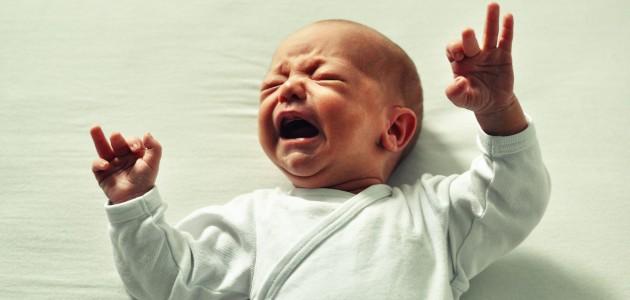come-calmare-neonato-che-piange