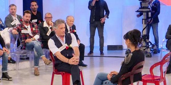 """Gossip e anticipazioni Uomini e Donne, Trono Over: """"tenerezze"""" tra Riccardo e Gemma"""