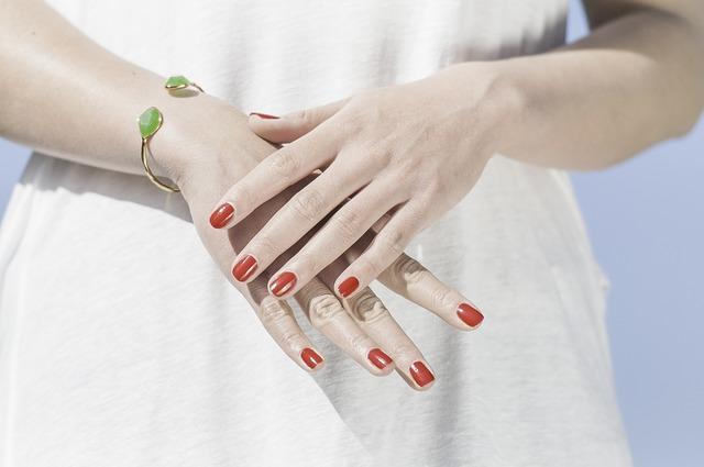 hands-1751637_640
