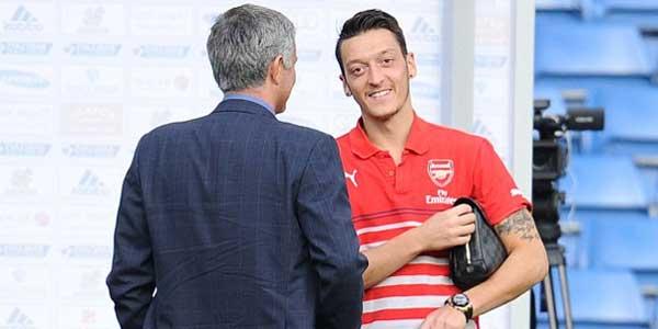 Arsenal, Ozil pronto a passare al Manchester United