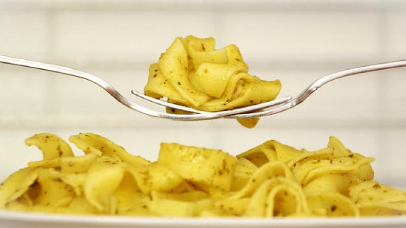 Mangiare la pasta rende felici e aiuta a dimagrire: lo dice la scienza