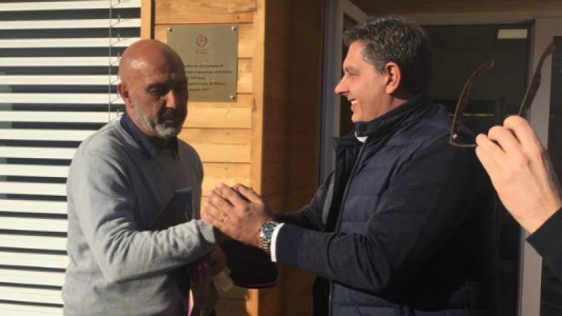 "Toti dona 50 mila ad Amatrice, il sindaco Pirozzi ironizza: ""Mi trasferisco in Liguria"""