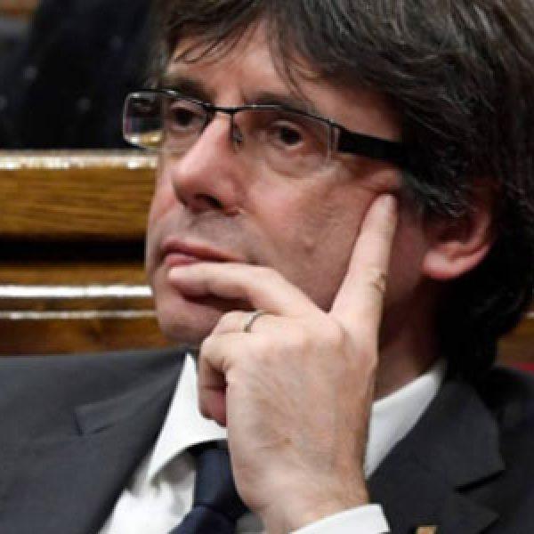 Puigdemont fermato dalla polizia, scontri in piazza: 87 feriti