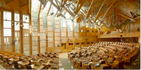 Edimburgo, evacuato parlamento Edimburgo, parlamento Edimburgo, polvere bianca lettere, povere bianca parlamento edimburgo