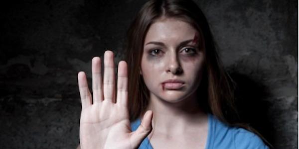 Oggi è la Giornata contro la Violenza sulle Donne | Nei 2017 si contano già 114 femminicidi in Italia