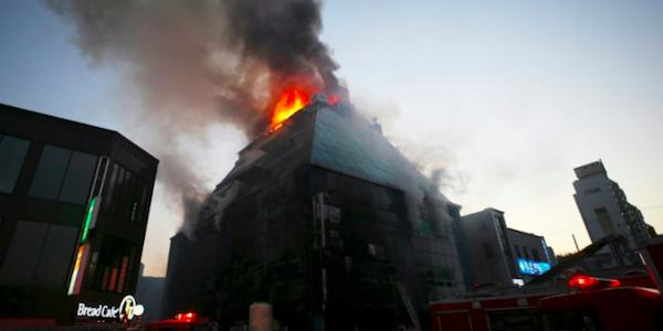 Corea del Sud, incendio in un palazzo di otto piani: 28 morti