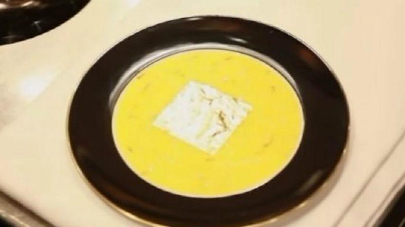 Risotto oro e zafferano, la ricetta più famosa di Gualtiero Marchesi