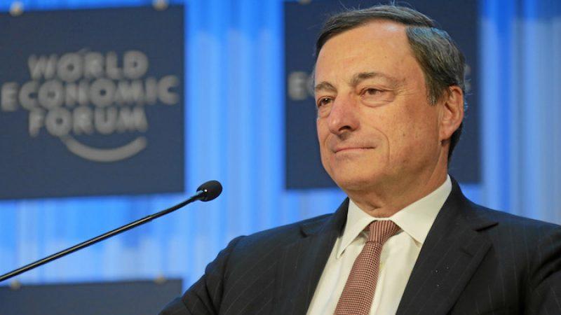 """La Bce lascia invariati i tassi d'interesse, Draghi: """"Euro troppo volatile"""""""