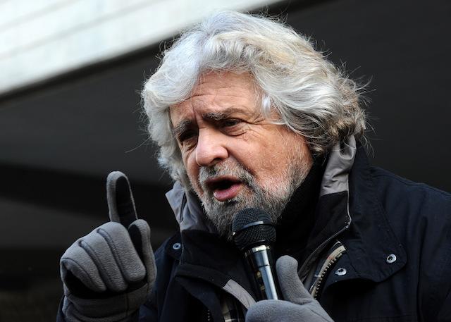 """M5S, Grillo cambia e apre alla Lega: """"Ma niente inciuci"""""""