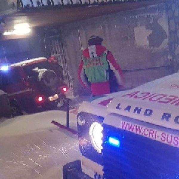 Una slavina travolge un edificio a Sestriere  È inagibile, il condominio è stato evacuato