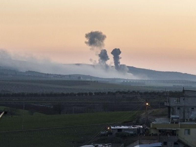attacco postazioni Iran, bombardamenti siria, Israele attacca Iran, raid israele iran, raid israele siria, raid Siria, razzi Iran Golan, Siria
