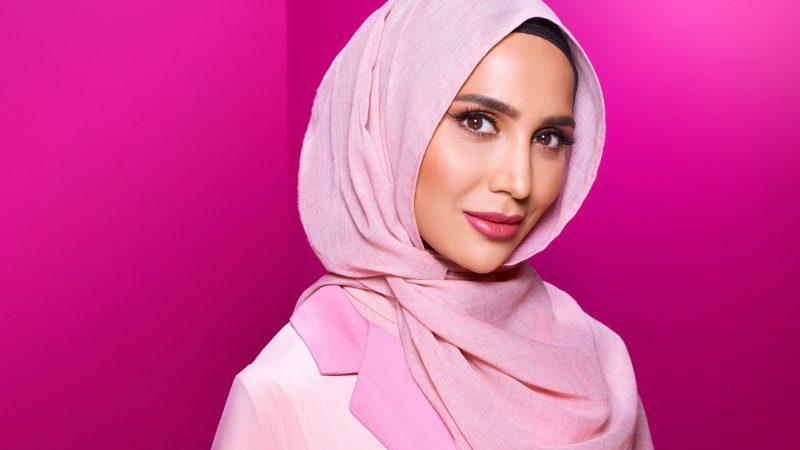L'Oréal licenzia modella con il velo. Ecco il motivo