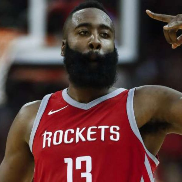 NBA, Houston supera OKC. 11 punti e vittoria per Belinelli