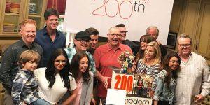 Modern Family festeggia il traguardo delle 200 puntate e si avvia alla conclusione