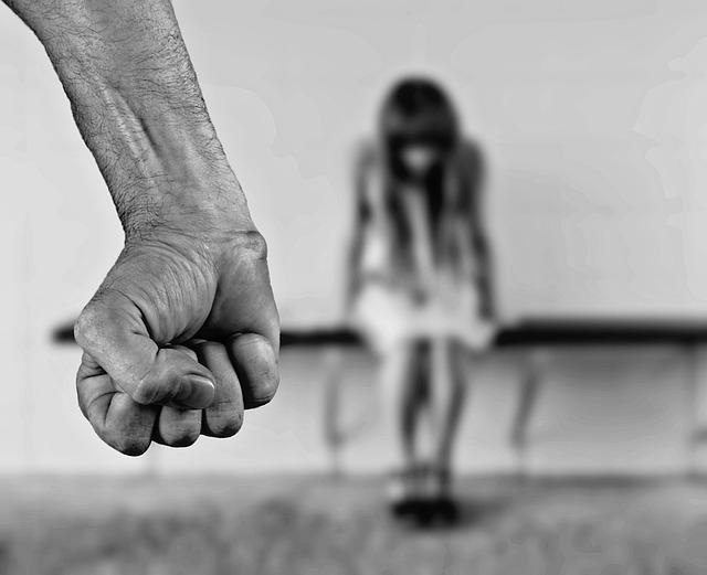 Gioia Tauro, donna ridotta in schiavitù per 20 anni: 2 arresti