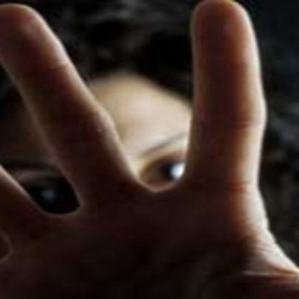 Monza, picchia e stupra la fidanzata: arrestato