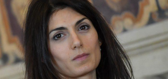 """Caso nomine al Campidoglio, il pm: """"Condannare la Raggi a 10 mesi"""""""