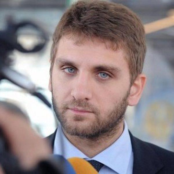 Napoli, De Luca jr si dimette dopo inchiesta rifiuti