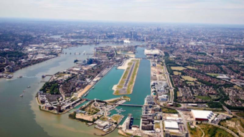 Una bomba inesplosa all'aeroporto London City