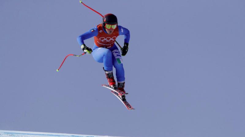 Olimpiadi, Goggia nella leggenda: è oro nella discesa libera